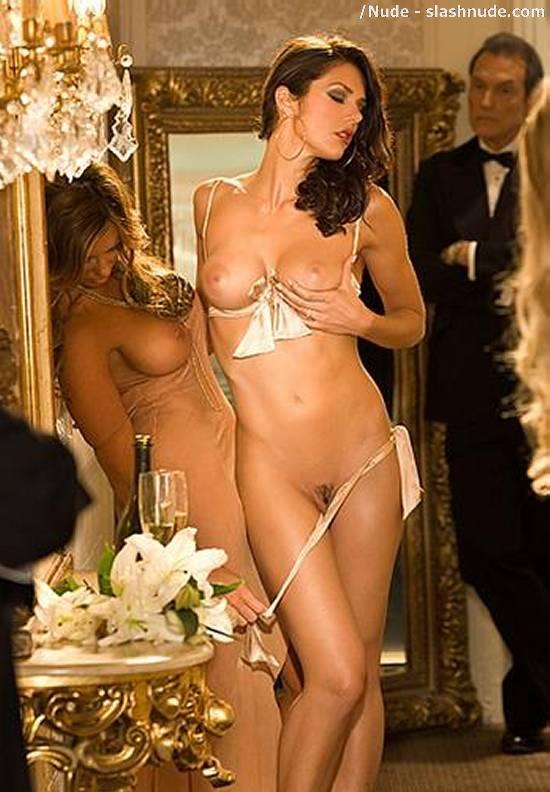 Adrianne curry nude pics