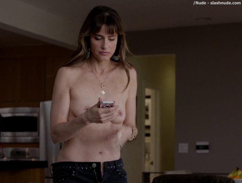 amanda peet naked moving picture