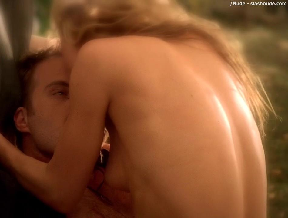 Anna Paquin Nude Brings Light To Season Six Of True Blood 22