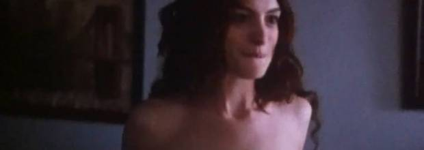 anne hathaway nude in love and other drugs 8176