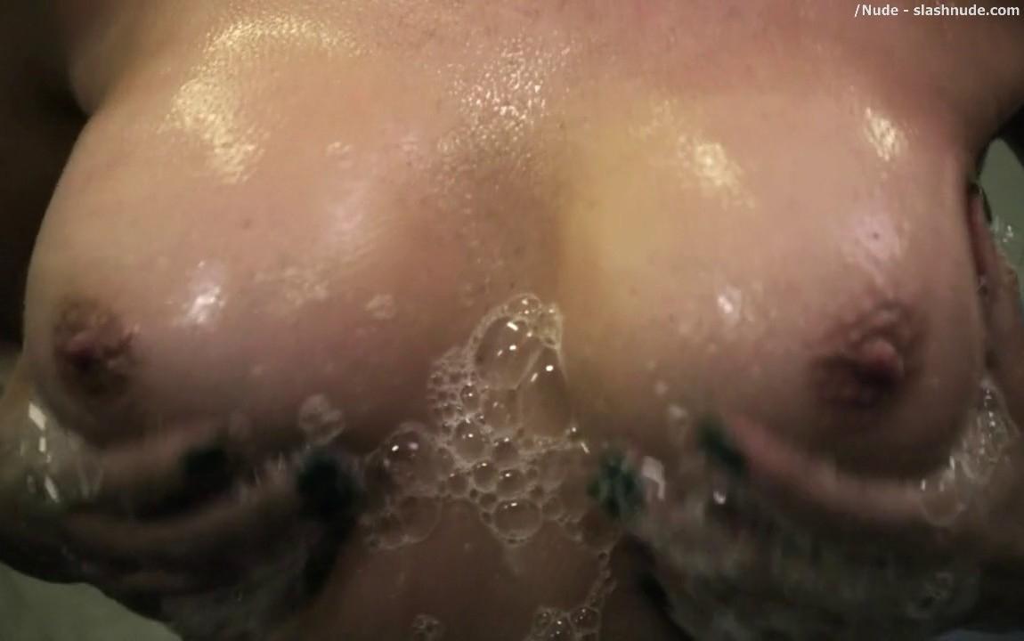 tyra banks naked gallery