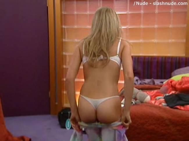 Big Brother 17 Nudity