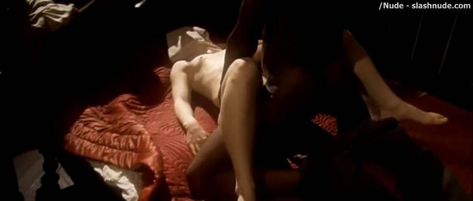 Bryce dallas howard sex scene