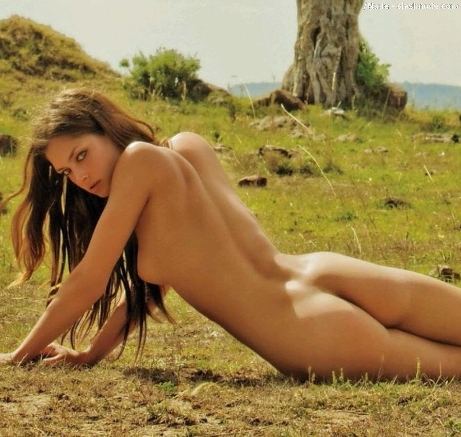 Naked lesbian sex seduction