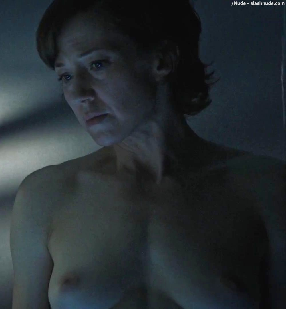 Carrie Coon Nude In The Leftovers 31