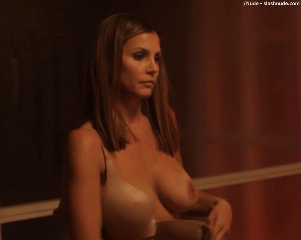 Fotos de Charisma Carpenter desnuda en Playboy - Fotos