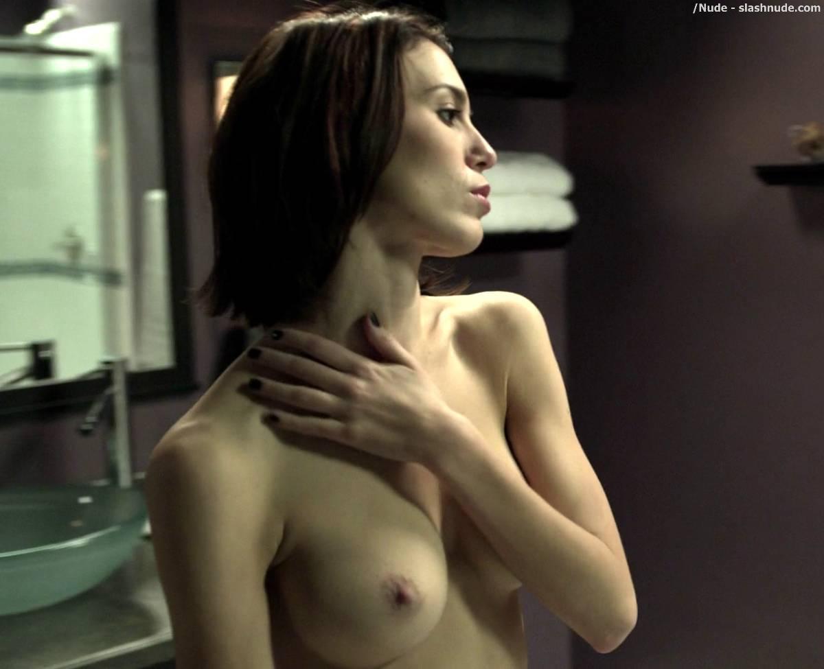 Nude mirror scene
