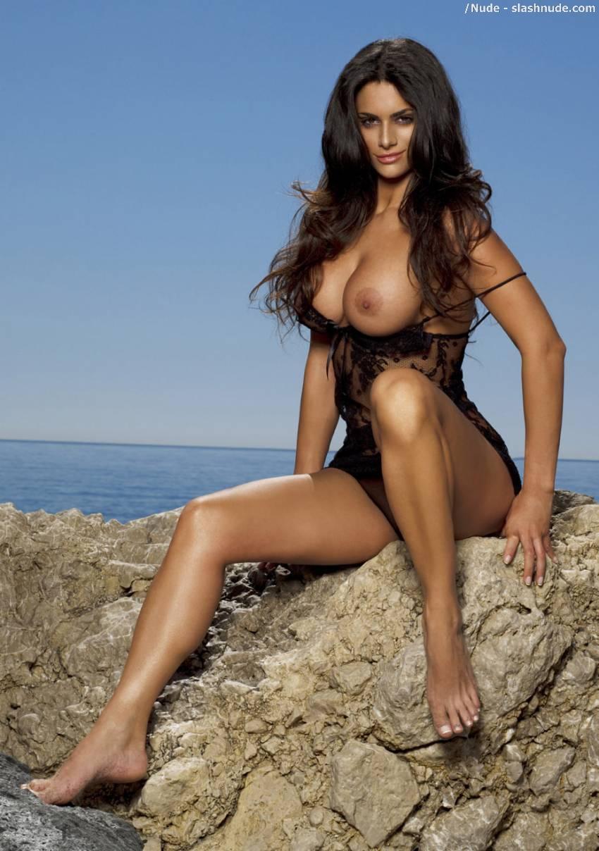 Cristina Del Basso Nude Calendar For Tiger Woods Wall ...