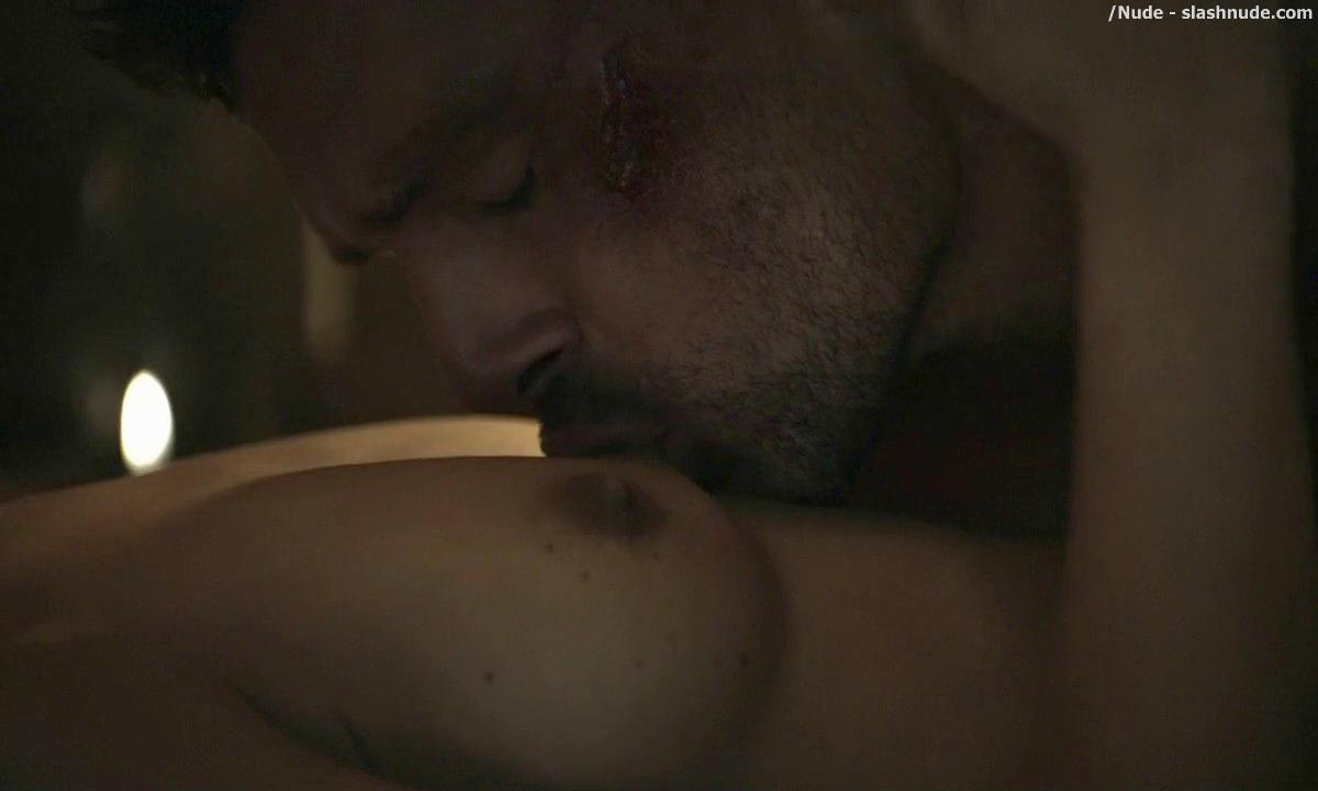 Cynthia Addai Robinson Topless In Bed For Lovin On Spartacus 12