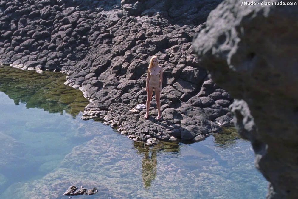 Alyssa sutherland nude scene in vikings scandalplanetcom - 3 part 1