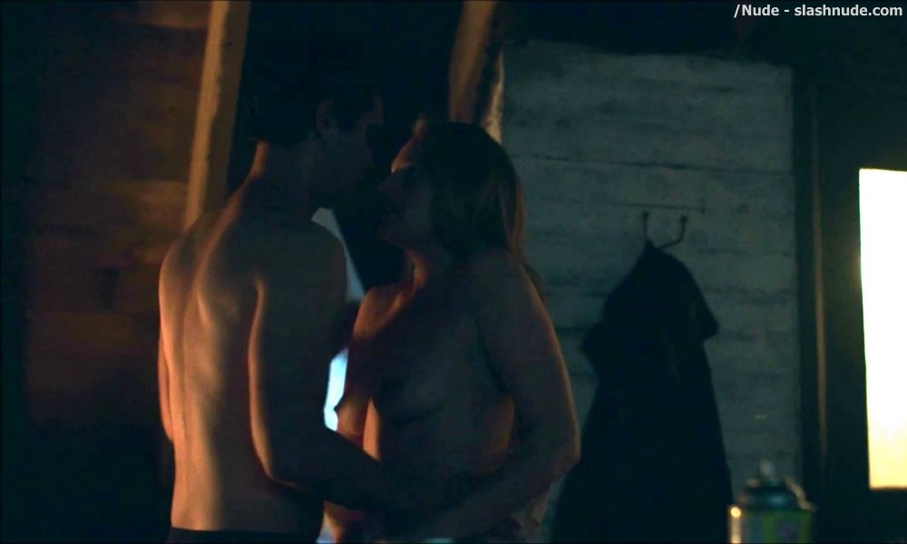 Elisabeth Moss Nude In The Handmaid Tale Sex Scene 6