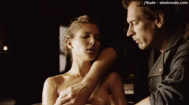 Elsa Pataky Nude To Be Touched In The Tub Romasanta