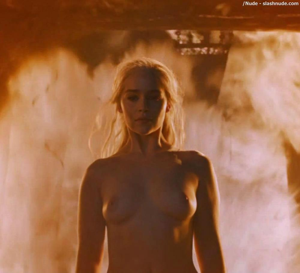 Emilia Clarke Nude And Fiery Hot On Game Of Thrones 10