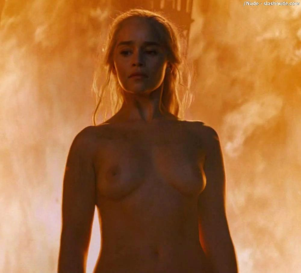 Emilia Clarke Nude And Fiery Hot On Game Of Thrones 19