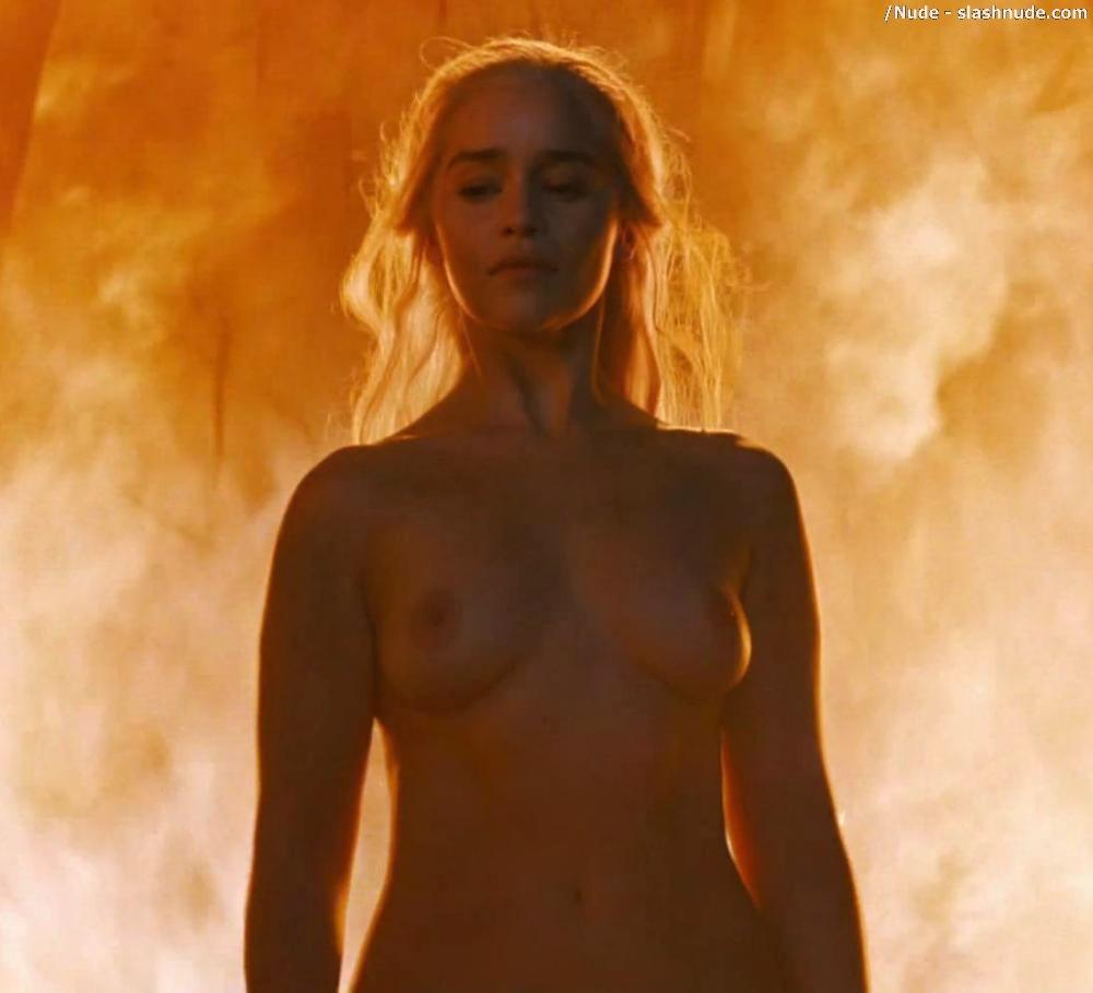 Emilia Clarke Nude And Fiery Hot On Game Of Thrones 21
