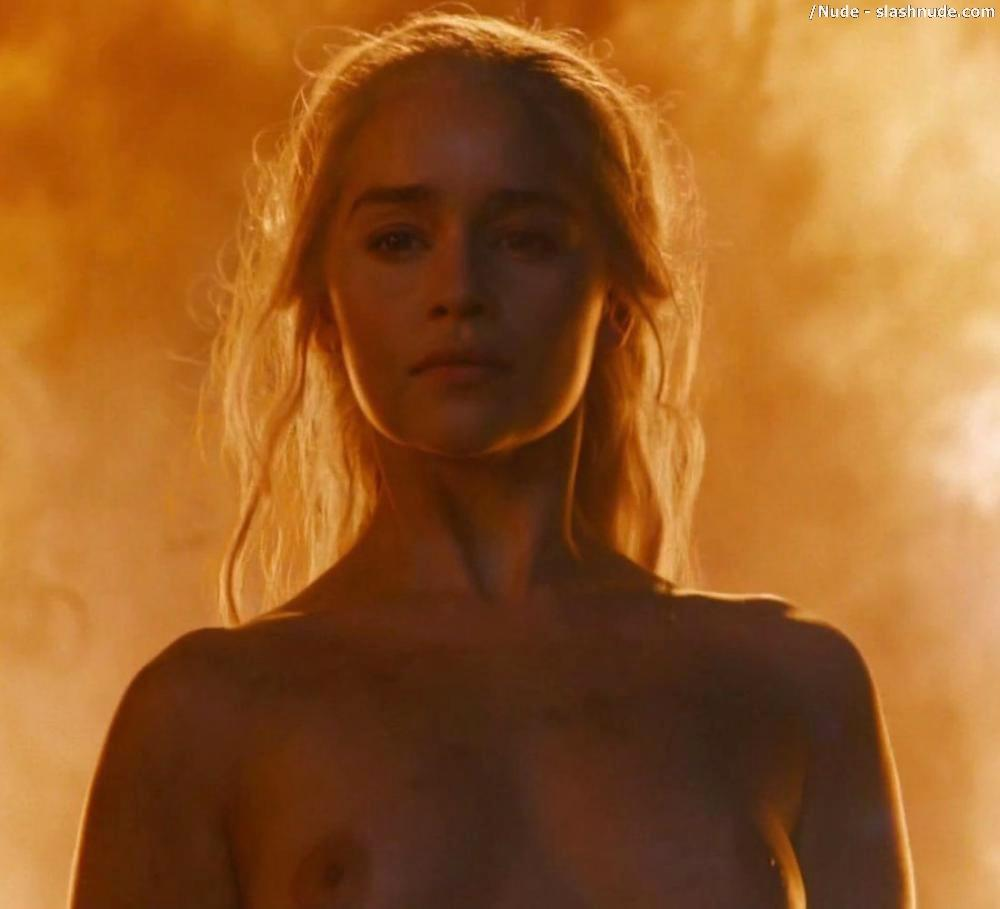 Emilia Clarke Nude And Fiery Hot On Game Of Thrones 30