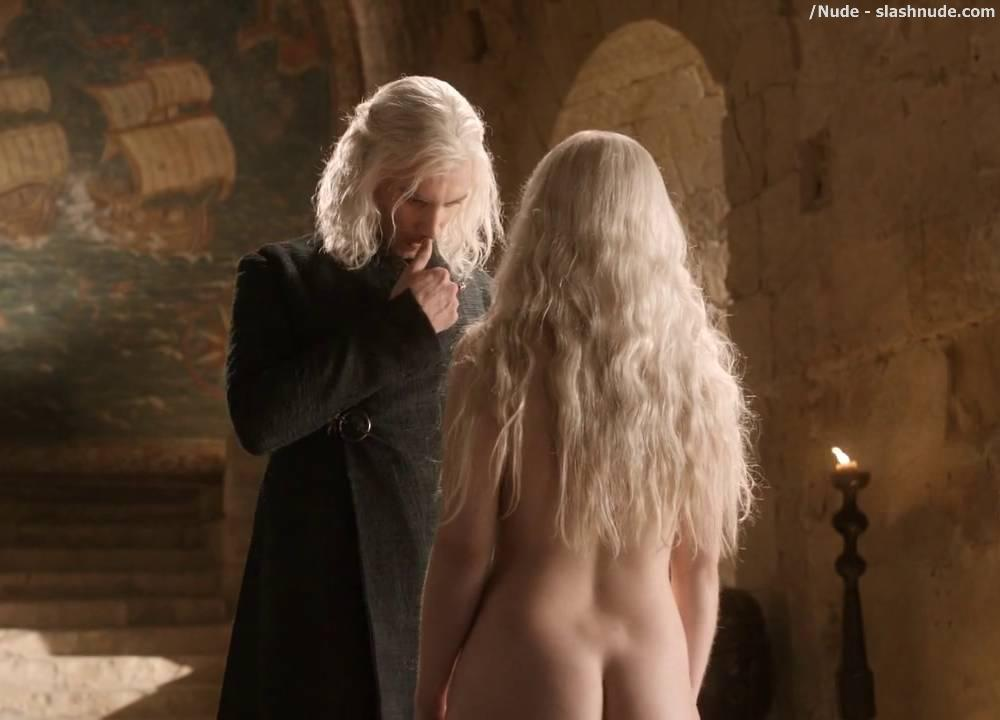 Image Of Emilia Clarke Above Is From Our Nude