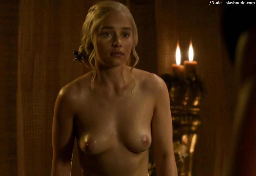 Emilia Clarke Nude Out Of The Bath On Game Of Thrones 10