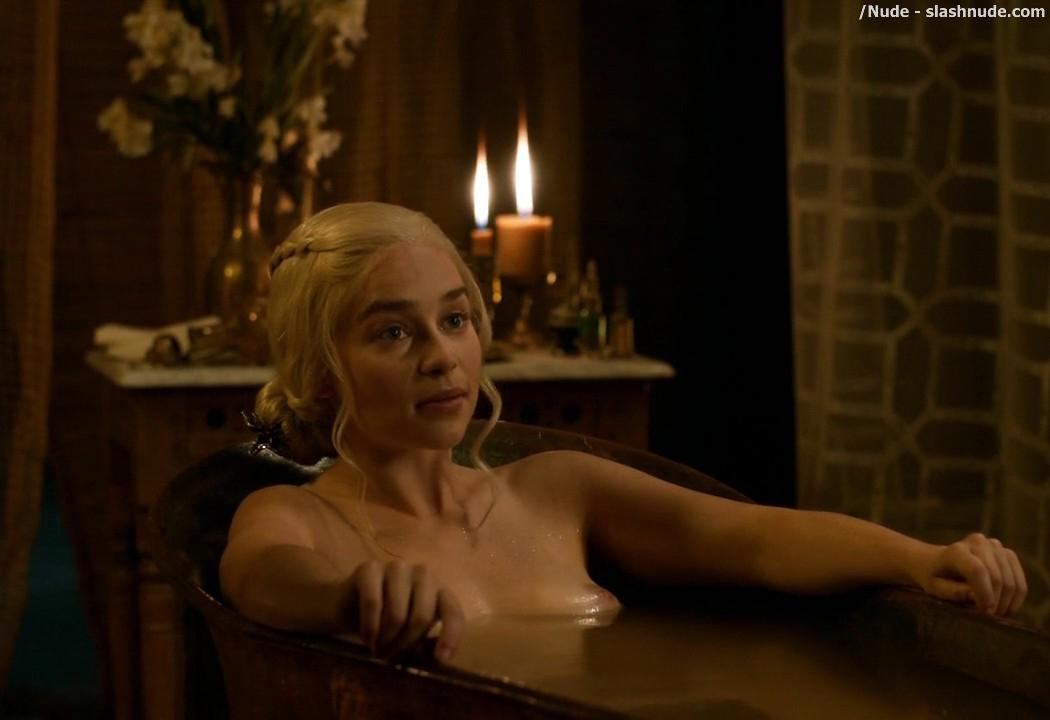Emilia Clarke Nude Out Of The Bath On Game Of Thrones 3