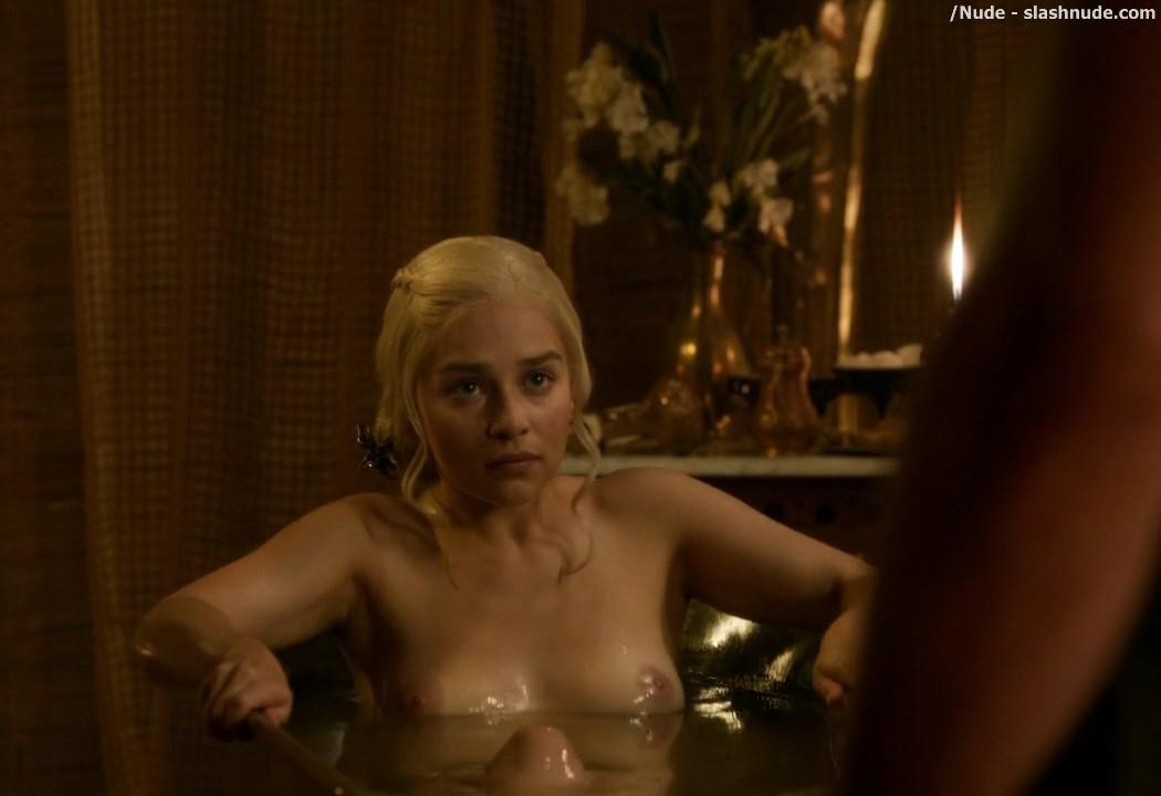 Emilia Clarke Nude Out Of The Bath On Game Of Thrones 6