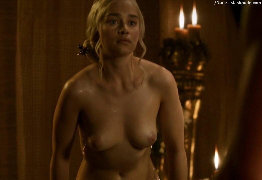 Emilia Clarke Nude Out Of The Bath On Game Of Thrones 9