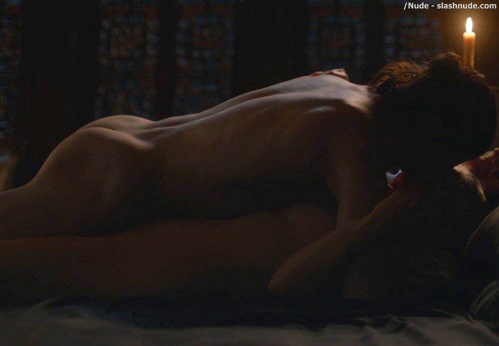 Emilia Clarke Nude With Kit Harington On Game Of Thrones 14