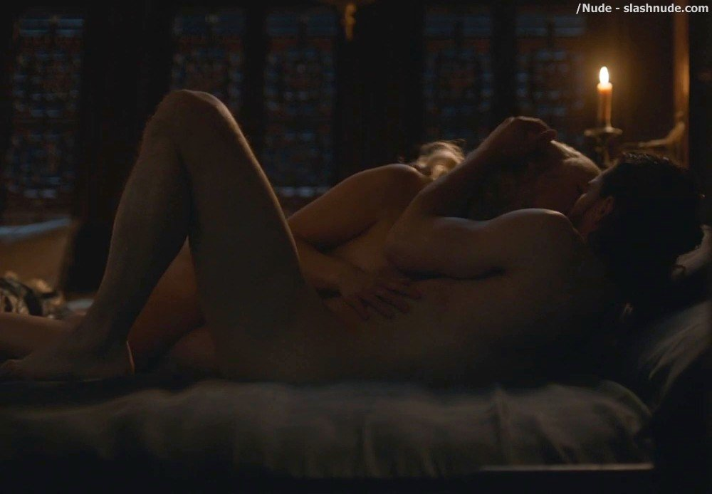 Emilia Clarke Nude With Kit Harington On Game Of Thrones 6