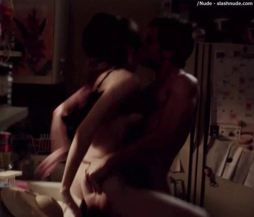 Sex scenes in shameless season 1