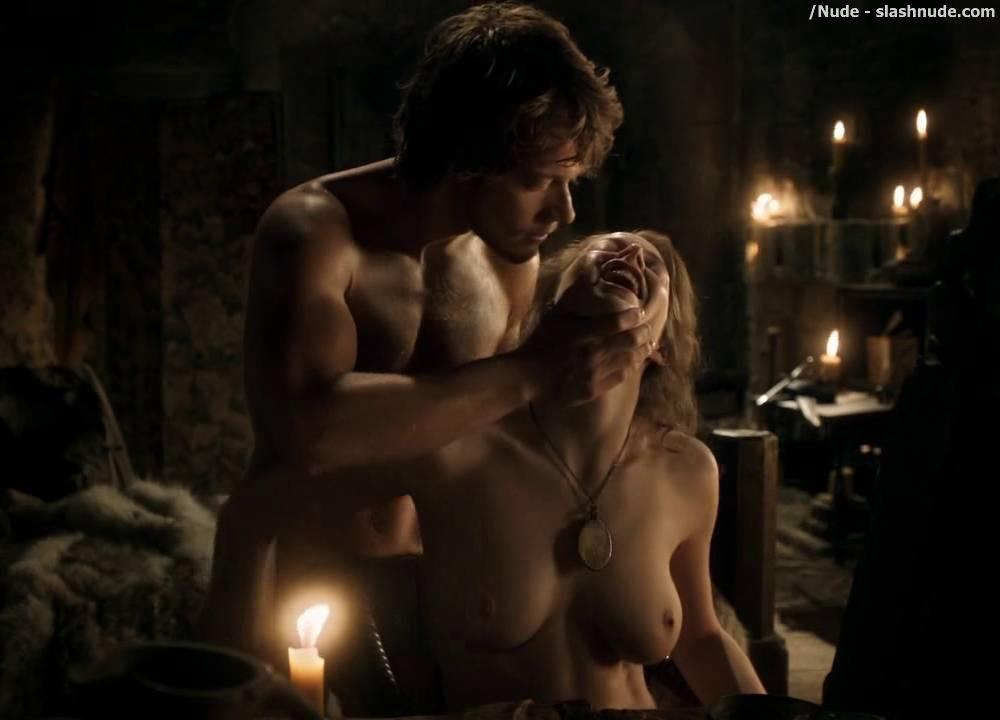 Nude scene game of thrones