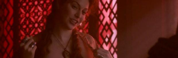 esme bianco topless for the man on game of thrones 4016