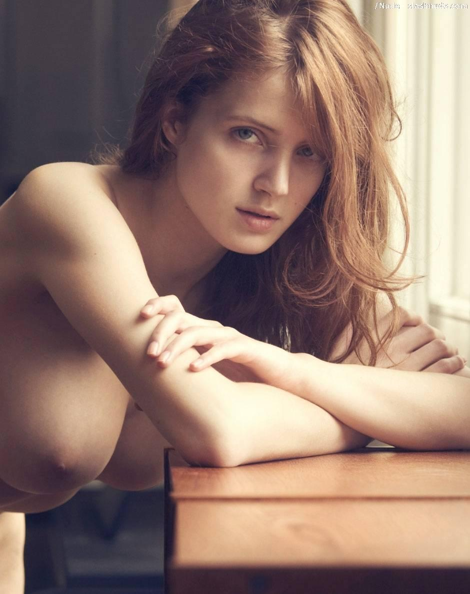 Fanny Francois Nude Is A Undeniable Treat 6