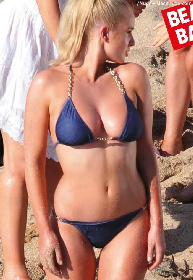 Helen Flanagan Topless Breasts Revealed In Malfunction 8