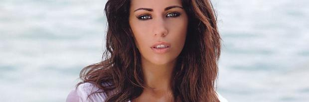 holly peers nude for her 2013 calendar 3517