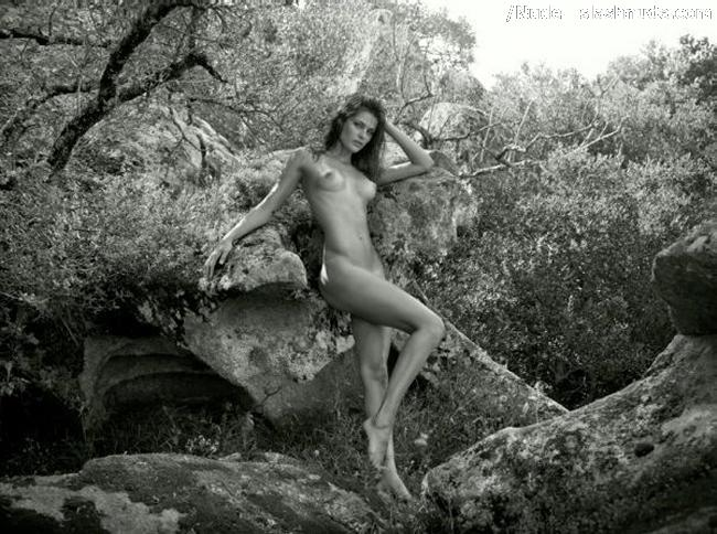 Isabeli fontana nude commit