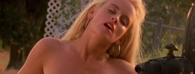 jenny mccarthy nude full frontal behind scenes of first playboy shoot 9027