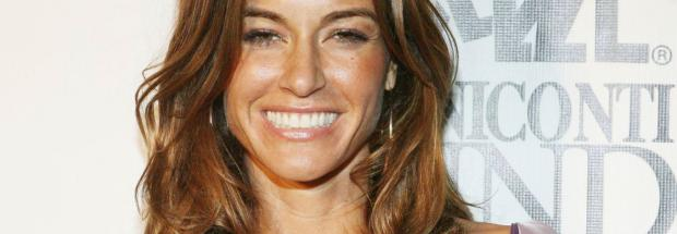 kelly bensimon nipples slip out of top at beach 6553