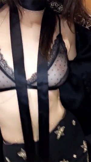 kendall jenner flashes nipples casually in sheer bra