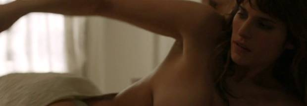 lake bell topless to make it in america 7983