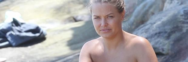 lara bingle topless for a tan on sydney beach 9586