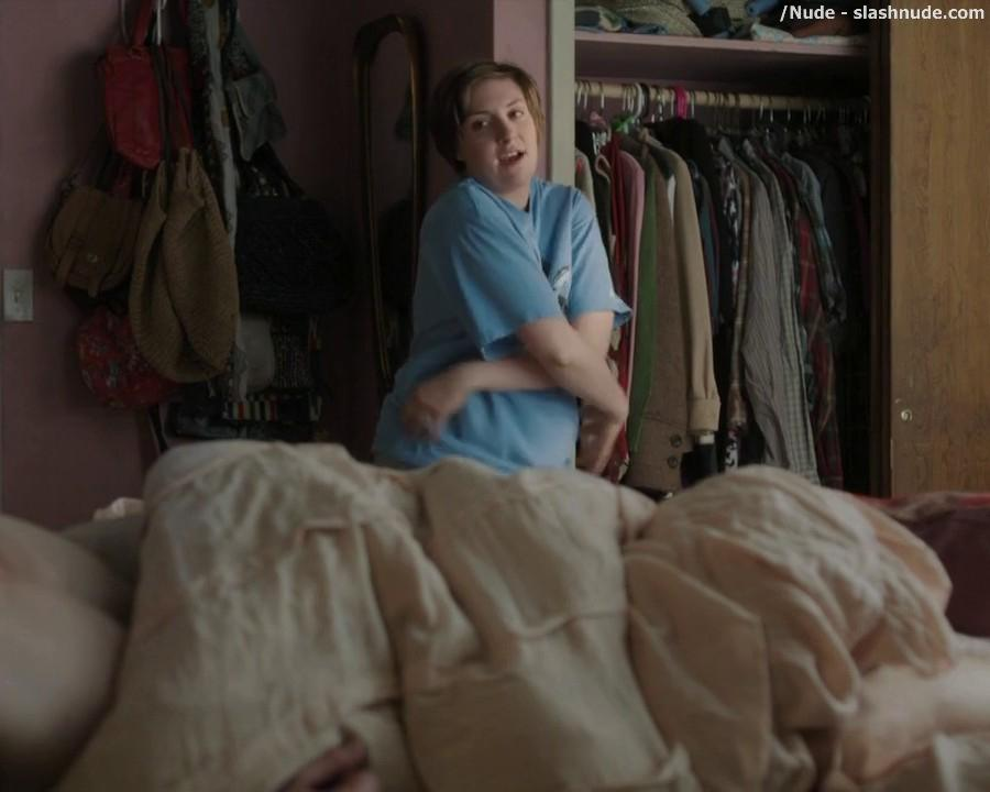 Lena Dunham Topless For A Quick Change On Girls 1