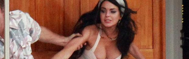 lindsay lohan boobs slip out of dress filming liz dick 6226