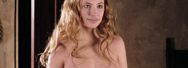 miriam giovanelli topless breasts will make you like her in dracula 3186