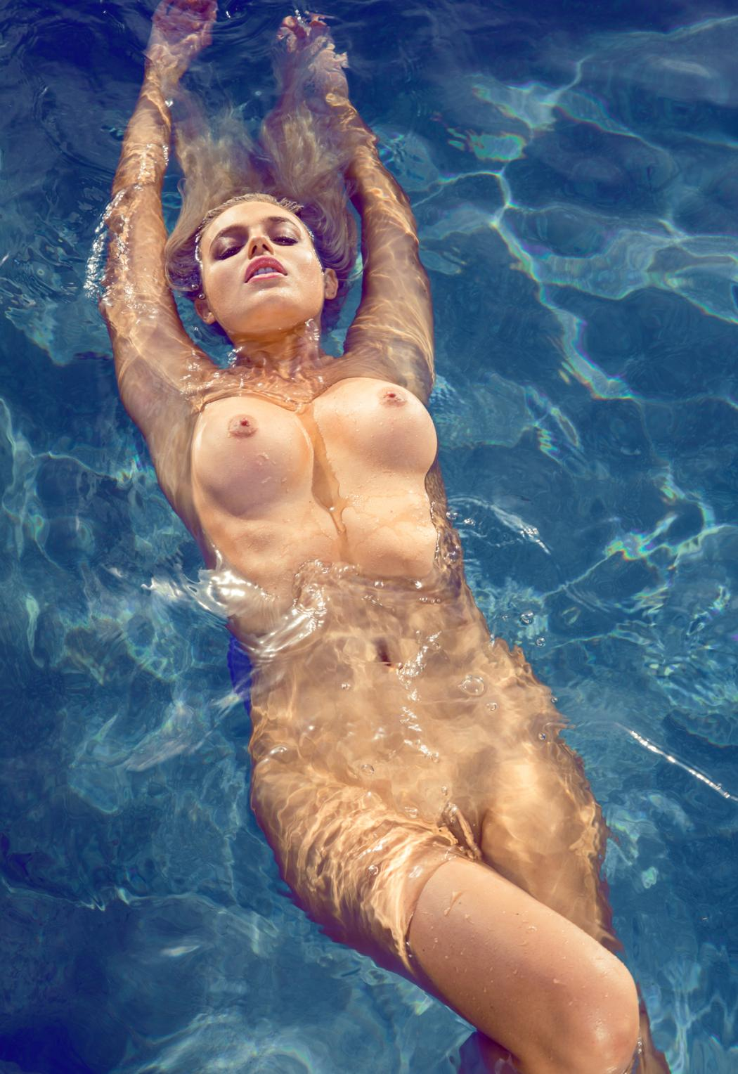 Charlize theron nude in head in the clouds scandalplanetcom - 3 part 2