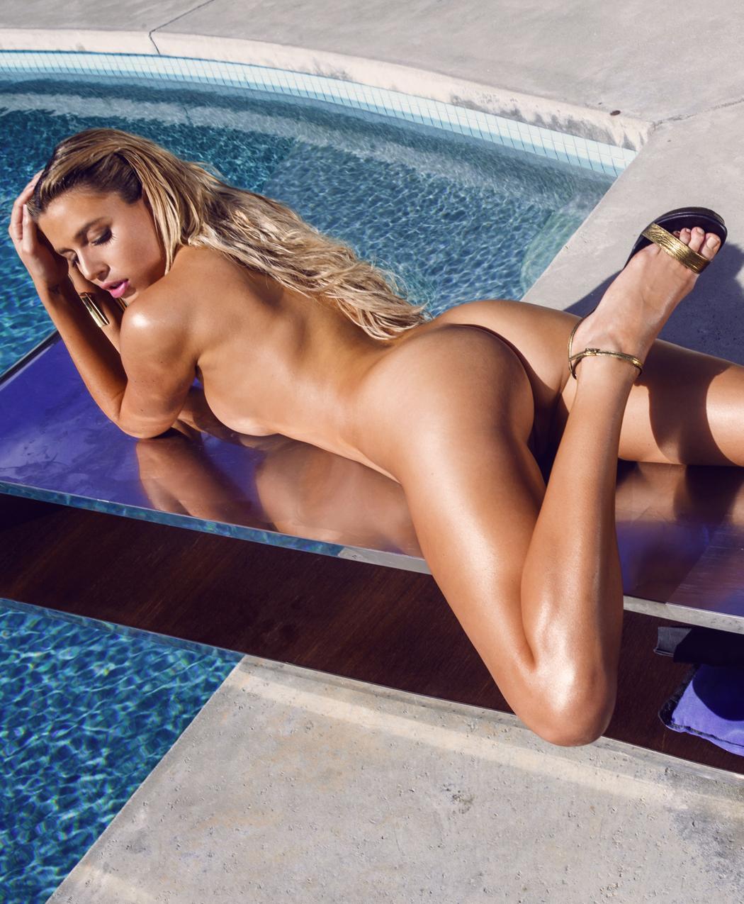 hot sims girls naked