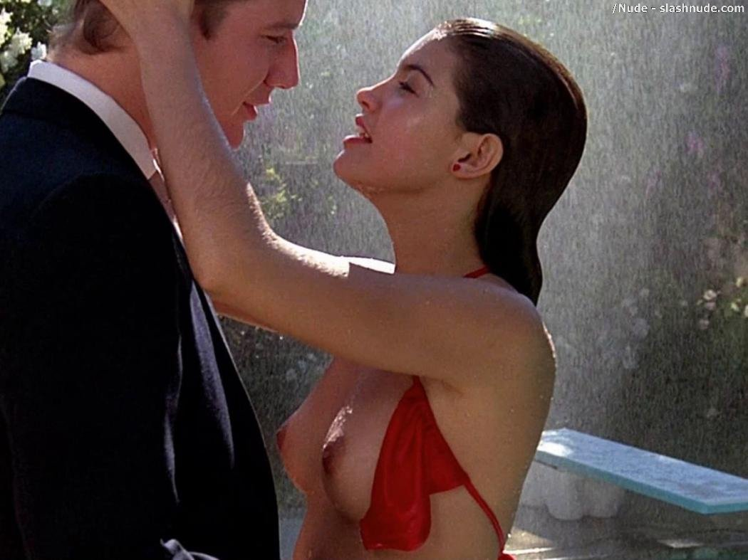 Has Naked girl in fast times at ridgemont high not doubt