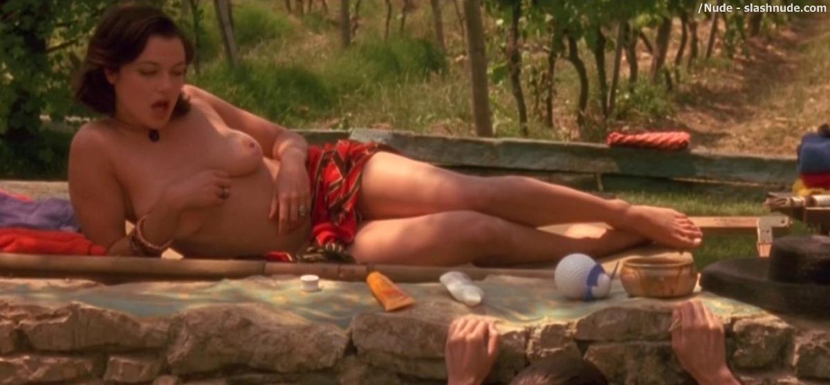 Erotic babe nude gif