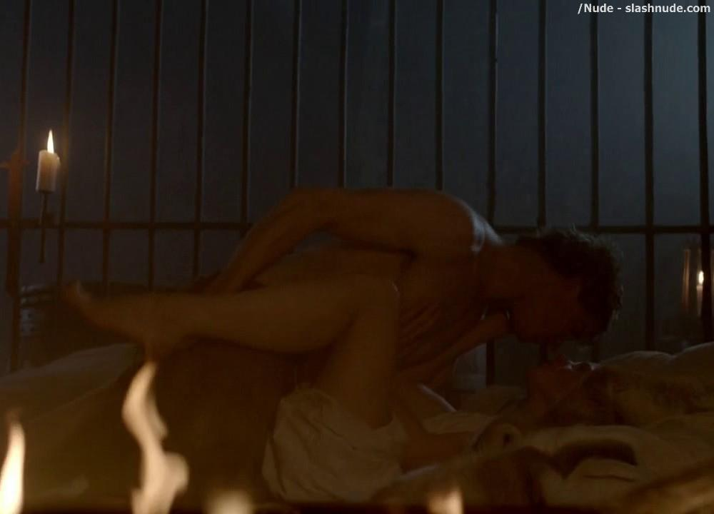 Rebecca ferguson nude sex scene in the white queen-3651