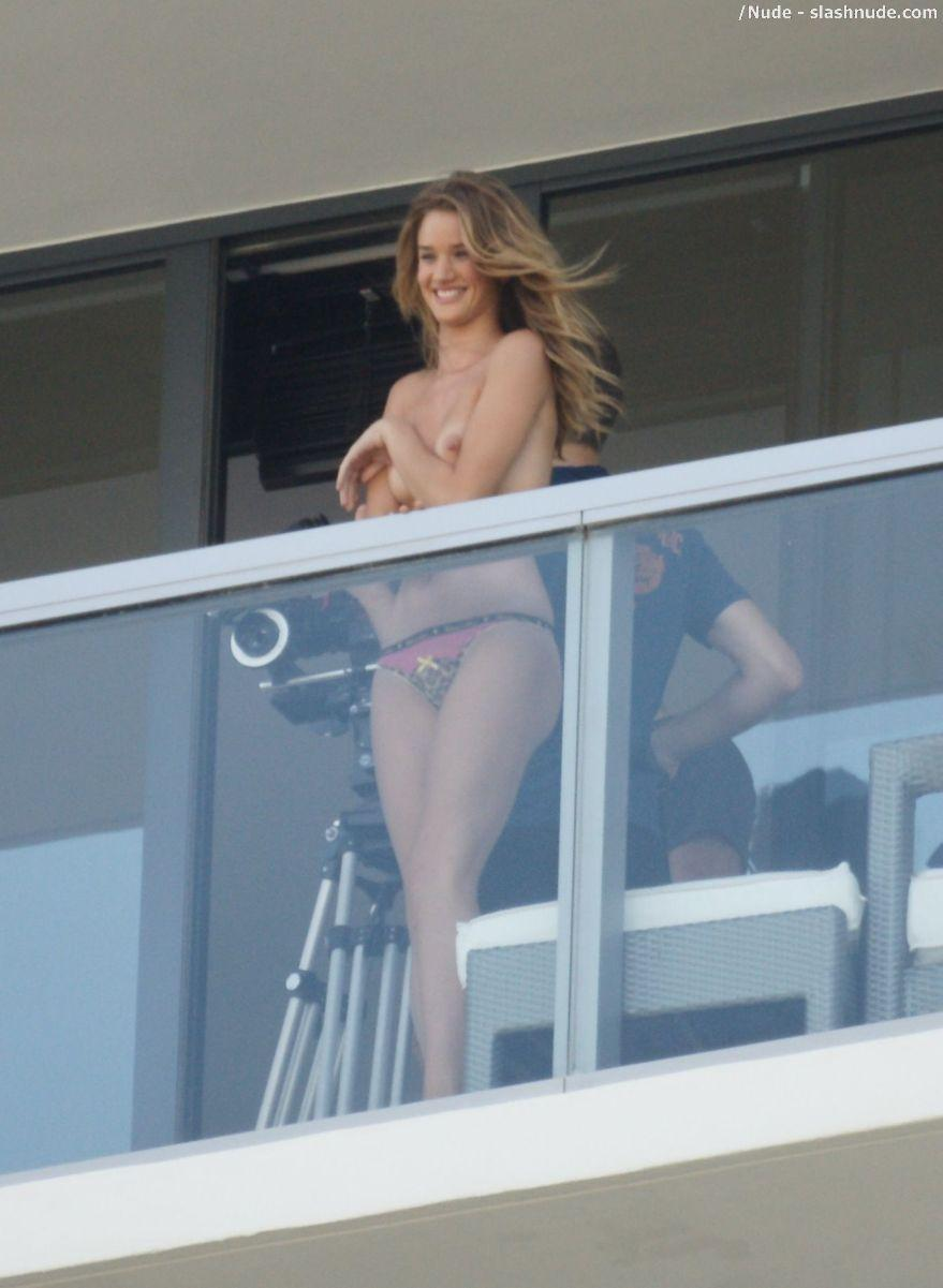 Rosie Huntington Whiteley Topless On The Balcony 5