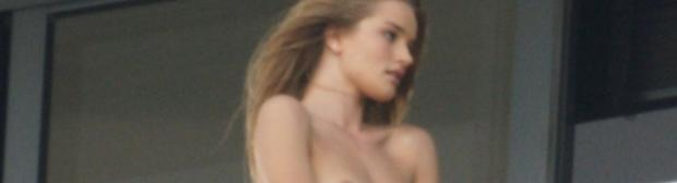 rosie huntington whiteley topless on the balcony 8548