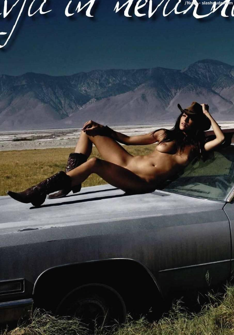 Sara Jereb Nude In The American Desert 5